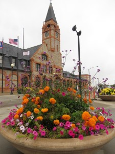 Cheyenne, WY depot and flowers